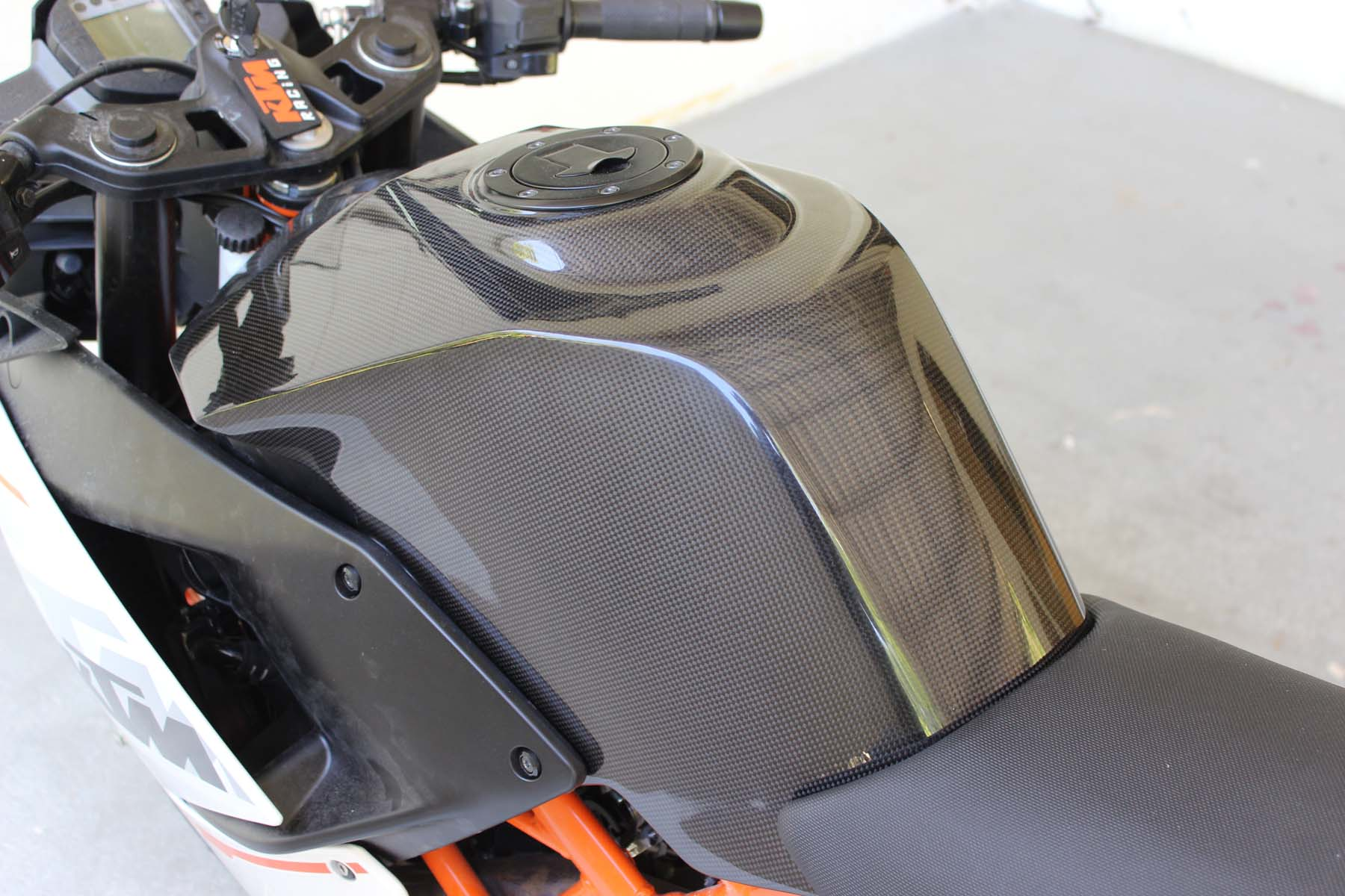 Completely new Tank Cover, (Carbon), KTM RC125, RC200, RC250, RC390  NX29